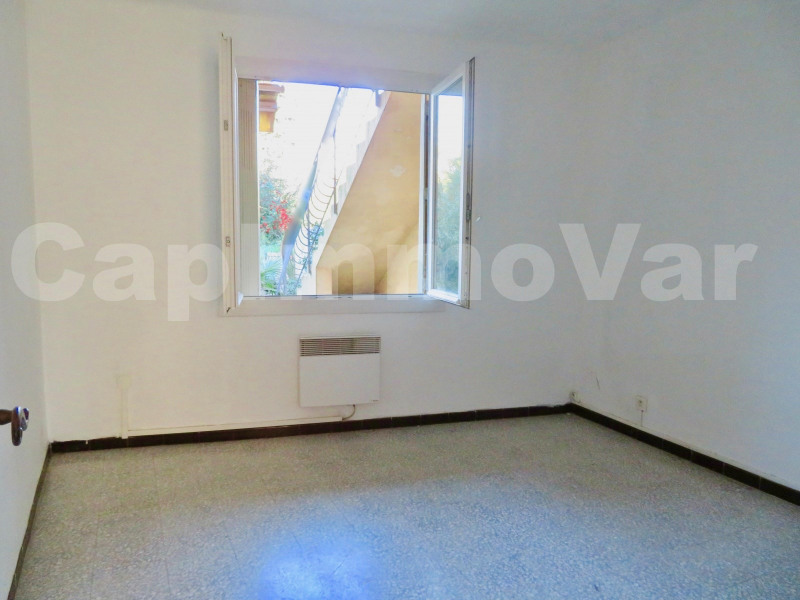 Location appartement Le beausset 710€ CC - Photo 7