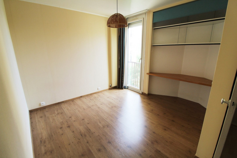 Rental apartment Elancourt 1 271€ CC - Picture 6