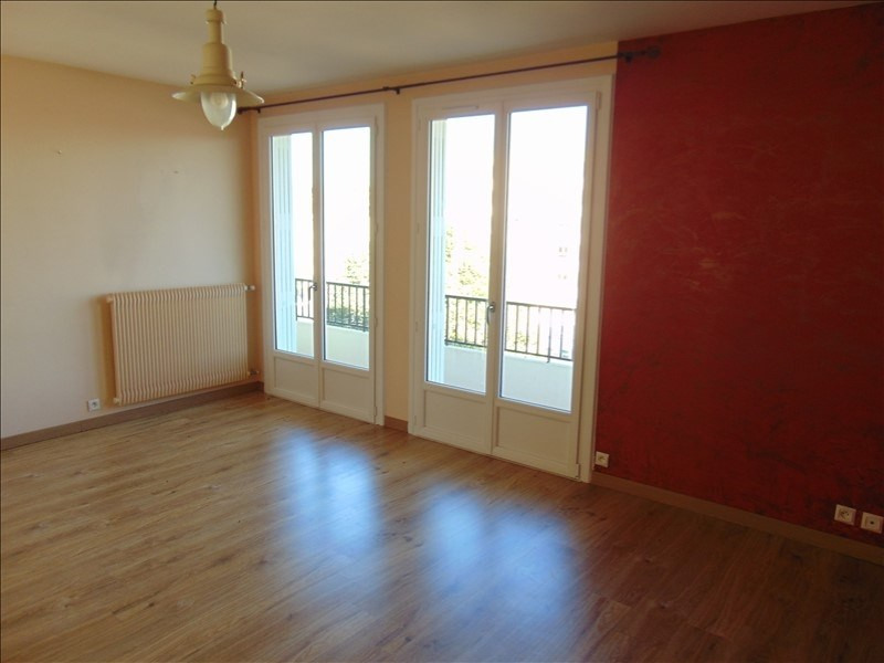 Sale apartment Cholet 86 150€ - Picture 1