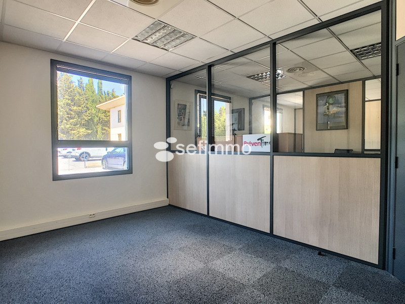 Rental office Meyreuil 1 474,37€ HT/HC - Picture 5