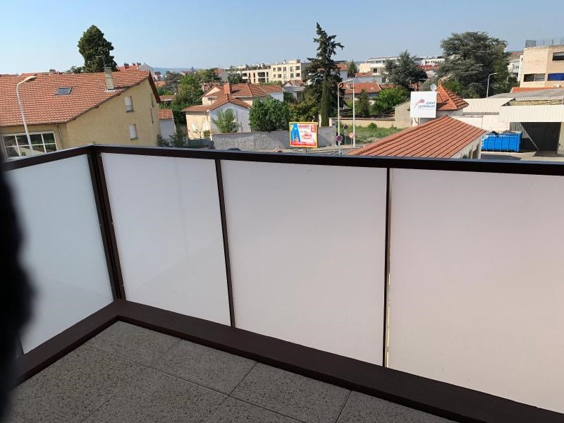 Location appartement Bron 560€ CC - Photo 2