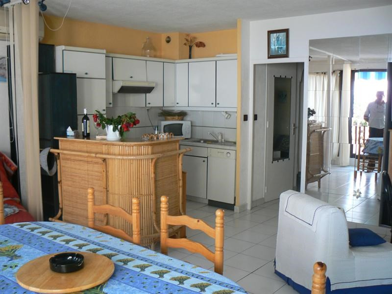Vacation rental apartment Bandol 510€ - Picture 2