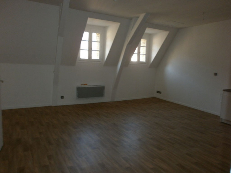 Rental apartment St omer 514€ CC - Picture 3