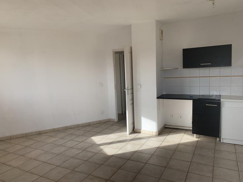 Rental apartment La seyne sur mer 530€ CC - Picture 3
