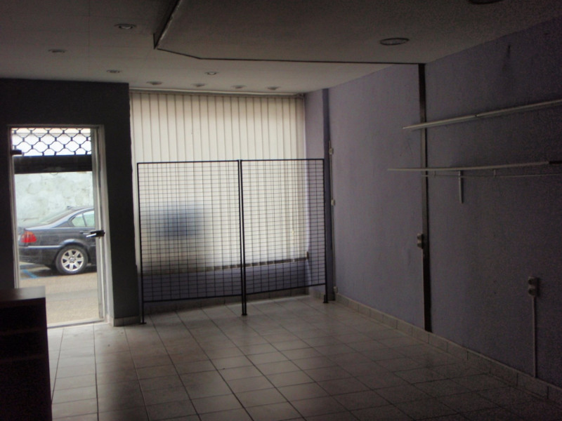 Location local commercial St vallier 300€ +CH - Photo 2