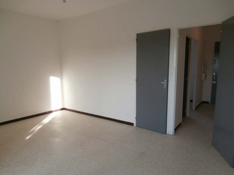 Verhuren  appartement Salon de provence 450€ CC - Foto 1
