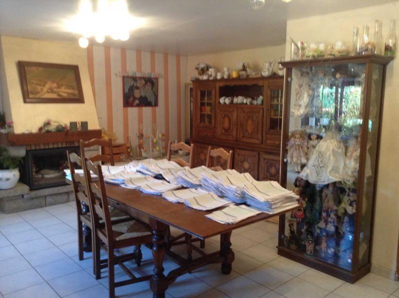 Sale house / villa Mael carhaix 159600€ - Picture 5