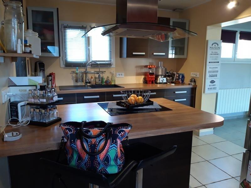 Sale house / villa Auneuil 200000€ - Picture 3