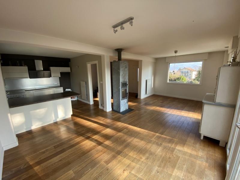 Sale house / villa Crolles 490000€ - Picture 2