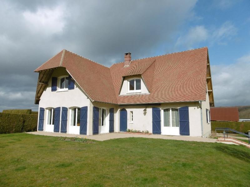 Sale house / villa Montmain 320000€ - Picture 2