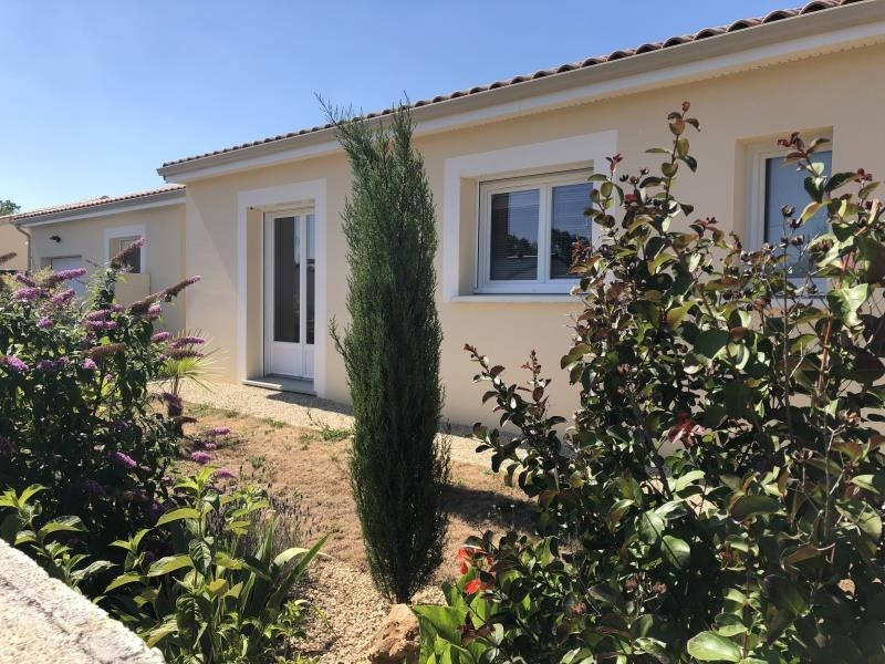 Sale house / villa Roches premarie andille 230 000€ - Picture 2