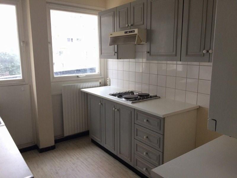 Rental apartment Maurepas 716€ CC - Picture 3