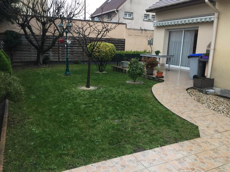 Sale house / villa Livry-gargan 395000€ - Picture 9