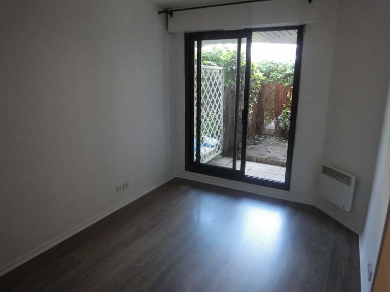 Rental apartment Le chesnay 990€ CC - Picture 5
