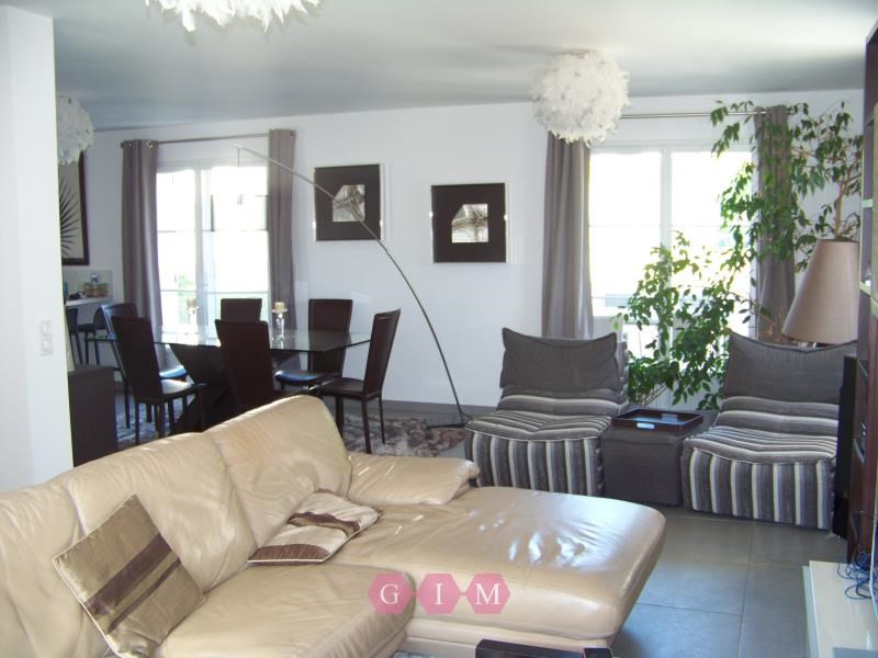 Rental house / villa Orgeval 2 569€ CC - Picture 3