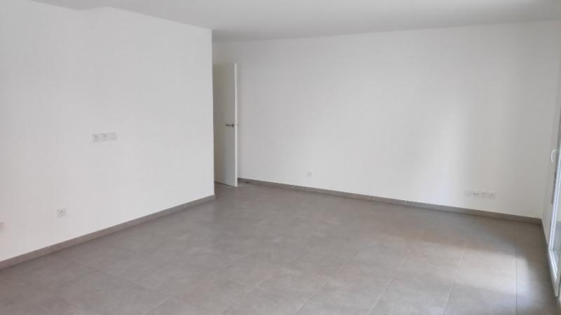 Rental apartment Saint laurent du var 960€ CC - Picture 4