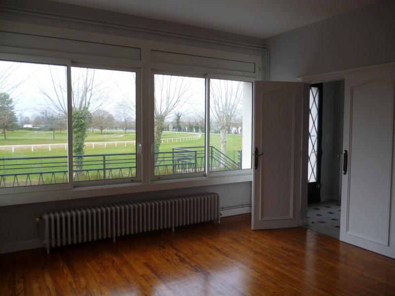 Rental apartment Laloubere 886€ CC - Picture 4