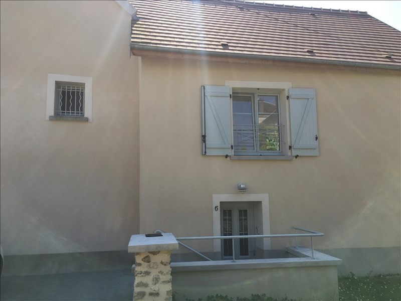 Location appartement Etrepilly 895€ CC - Photo 3