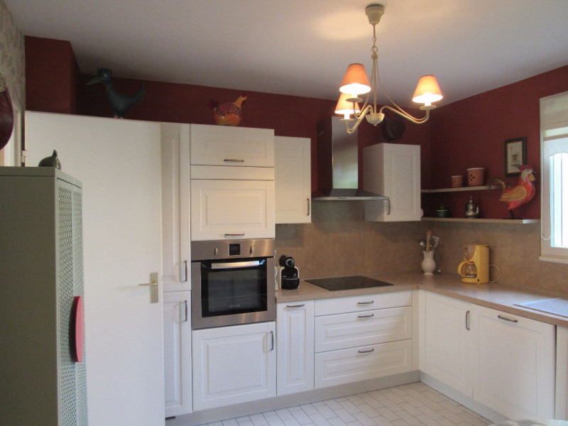 Sale house / villa Lesigny 385000€ - Picture 3