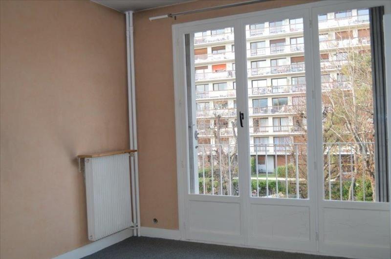 Rental apartment Rueil malmaison 690€ CC - Picture 2