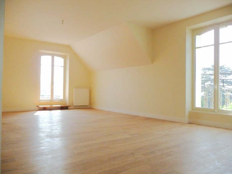 Rental apartment Le chesnay 3 190€ CC - Picture 1