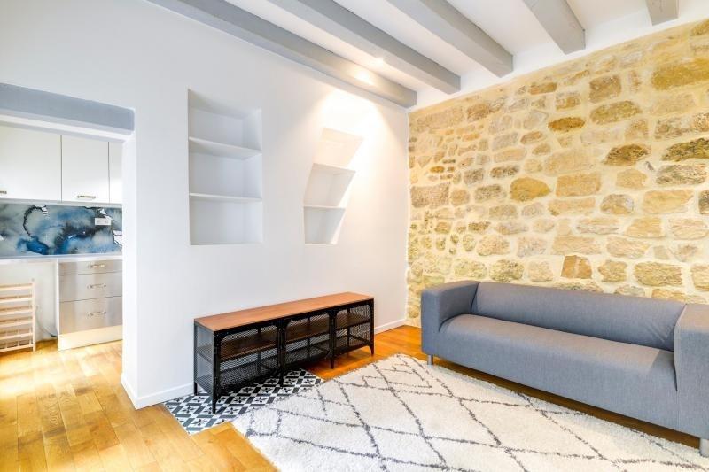 Rental apartment Paris 3ème 2250€ CC - Picture 2