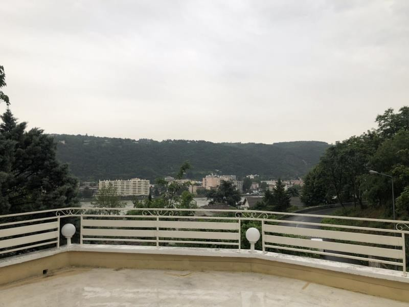 Rental apartment St cyr sur le rhone 710€ CC - Picture 1