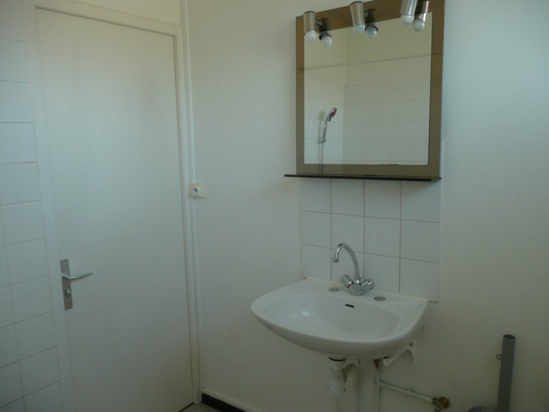 Investment property apartment Saint-genis-laval 147 000€ - Picture 2