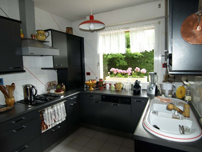 Sale house / villa Montfort l amaury 600 000€ - Picture 3
