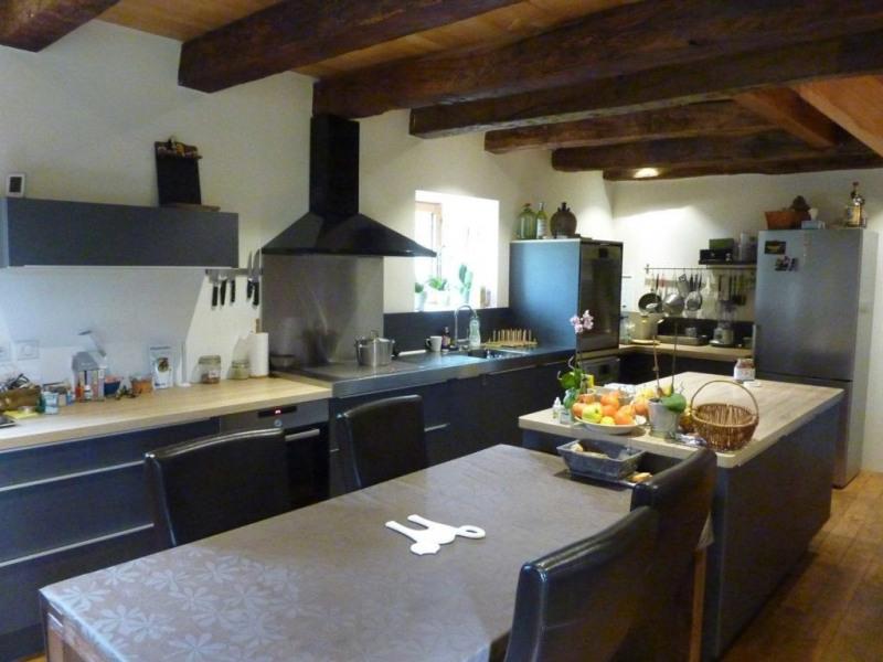 Deluxe sale house / villa Castels 735000€ - Picture 4