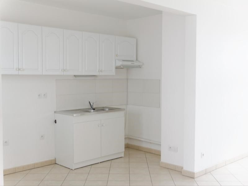 Location appartement Lyon 9ème 855€ CC - Photo 3