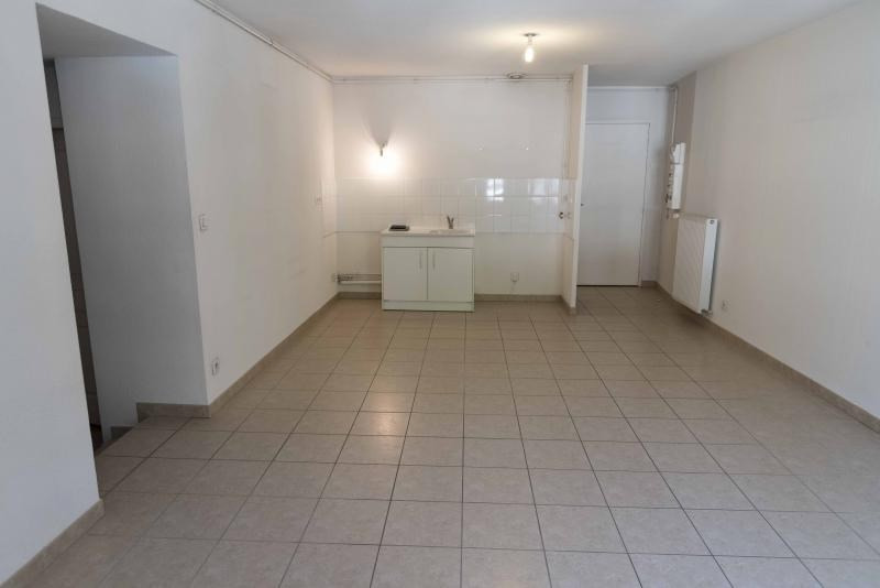 Location appartement Nantua 458€ CC - Photo 3