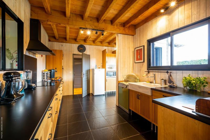 Deluxe sale house / villa Arsac 630000€ - Picture 2