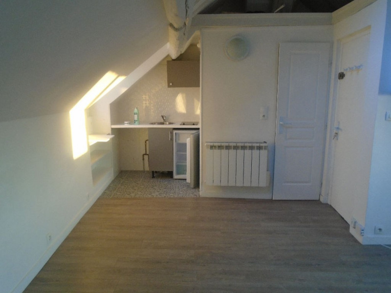 Rental apartment Chatou 710€ CC - Picture 2