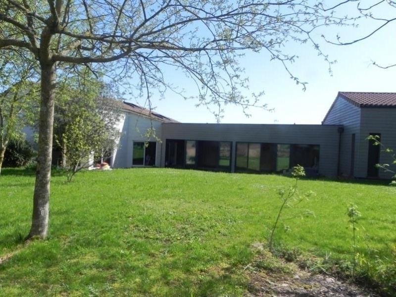 Vente maison / villa Vouille 384900€ - Photo 1
