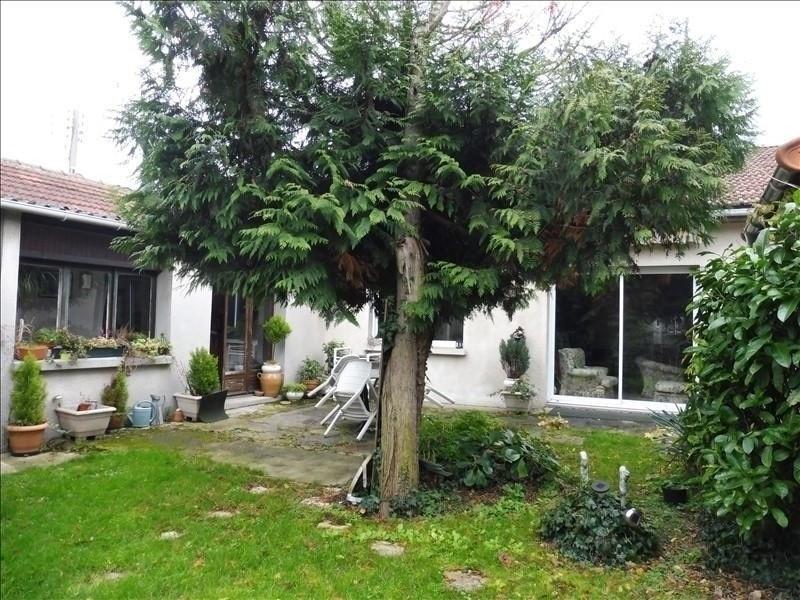 Sale house / villa Bondy 270000€ - Picture 1