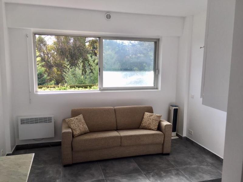 Rental apartment Vallauris 550€ CC - Picture 3