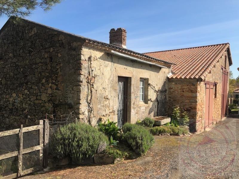 Sale house / villa Beaulieu sous la roche 216300€ - Picture 9