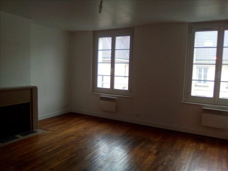Rental apartment Beauvais 780€ CC - Picture 2