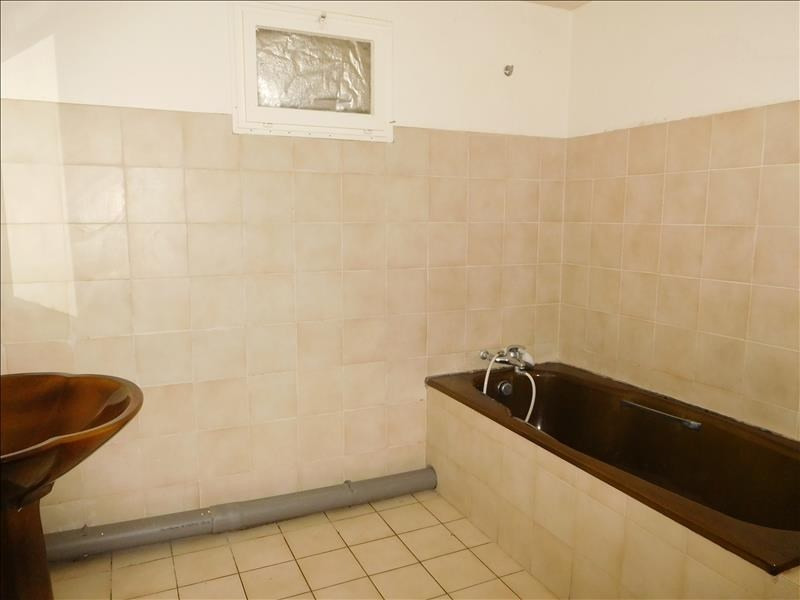 Rental house / villa St germain de la riviere 740€ CC - Picture 3