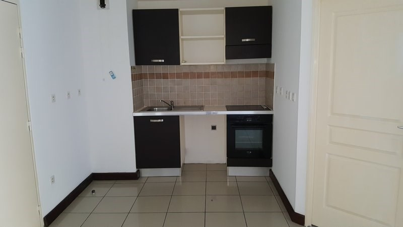Location appartement St denis 630€ CC - Photo 3
