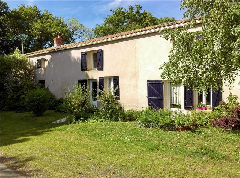 fb6031eb156d7c Vente maison   villa 8 pièce(s) à La Limouziniere   197 m² avec 4 ...