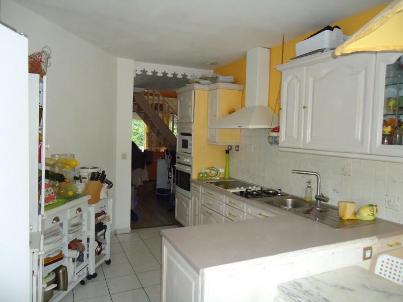 Sale house / villa La buisse 380000€ - Picture 5