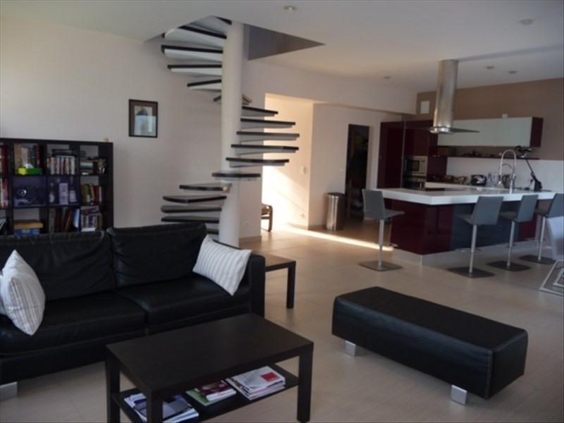 Sale house / villa Le chateau d'oleron 548550€ - Picture 4