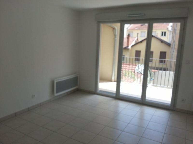 Location appartement Villeurbanne 833€ CC - Photo 8
