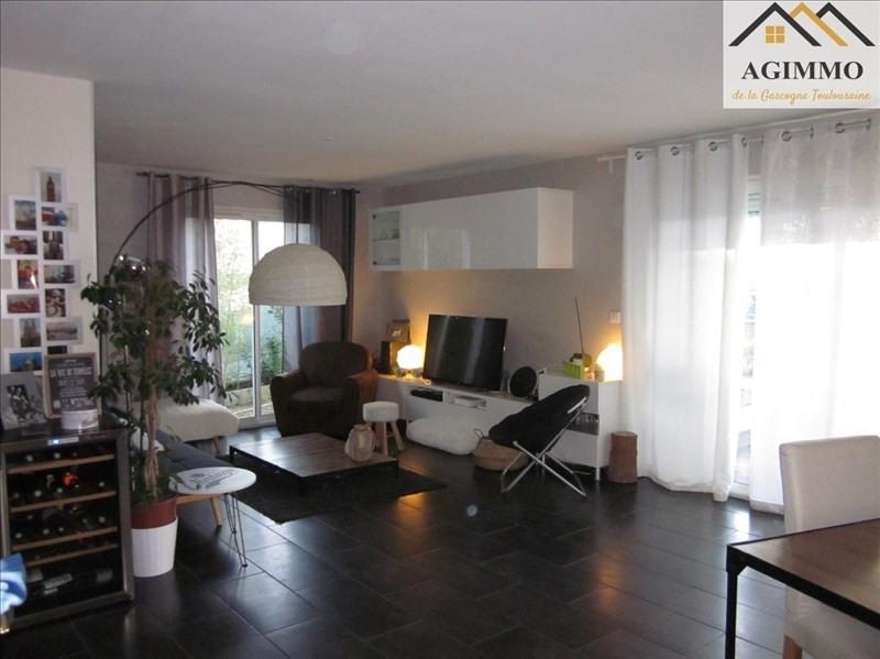 Sale house / villa L isle jourdain 300000€ - Picture 2