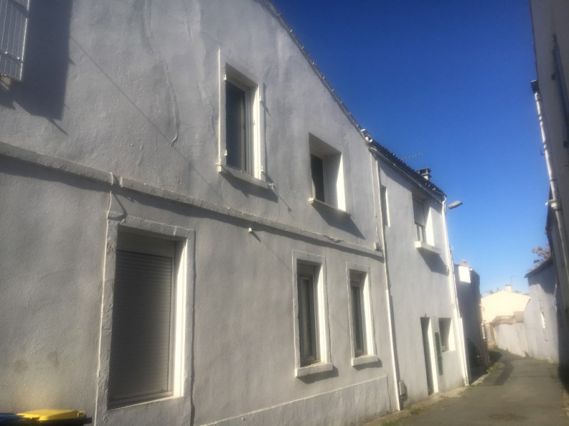 Sale building Dompierre sur mer 296800€ - Picture 1