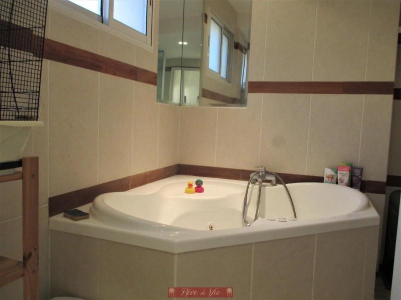 Sale apartment Bormes les mimosas 320000€ - Picture 4