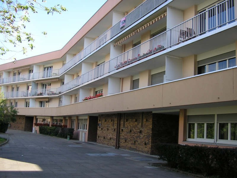 Rental apartment Evry 654€ CC - Picture 1