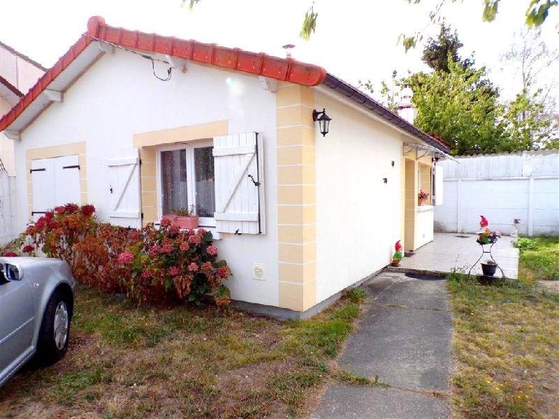Sale house / villa Ste genevieve des bois 263900€ - Picture 1